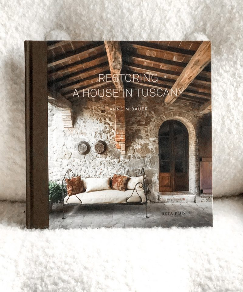 LIBRO ``RESTORING A HOUSE IN TUSCANY´´